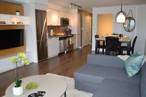 """Harbour Breeze"" Lux. condo from $165.00 CAD/night Parking Incl"