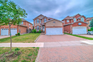 Detached House For Sale at Markham