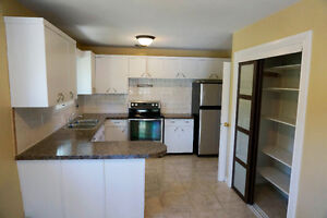 Bright,Beautiful,Spacious & Central! Hospital & University Area