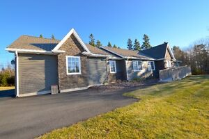 Gorgeous House in Tantallon! Beautifully Renovated!