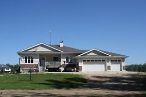 Great Family Style Acreage 10 Min from Spruce Grove