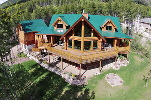 Masterfully crafted log home in NW Salmon Arm!