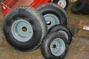 Roues a gazon pour tracteur Ford New Holland 1520