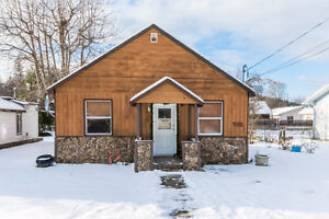 7031 52 Street, NE Canoe - Perfect for First Time Home Buyers