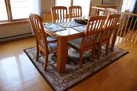 SOLID OAK DINING TABLE SET & CHINA CABINET