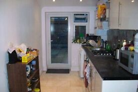 3 Bedrooms in Lovely Tooting House