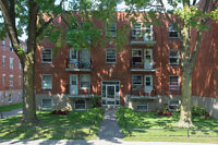 Jr. 1 Bdrm available at 6675 Darlington street, Montreal