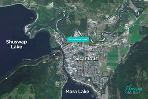 Compound in The Heart of Sicamous - 2 Blocks from Boat Launch! Revelstoke British Columbia image 3