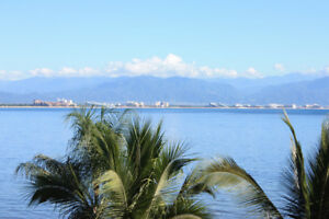 Beachfront Casa, Private Infiniti Pool, sleeps 6, La Cruz