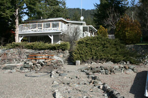 Proudly perched character cottage on Little Shuswap Lake!