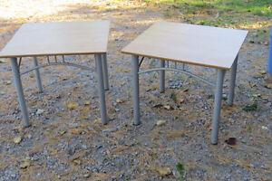 table Saguenay Saguenay-Lac-Saint-Jean image 1