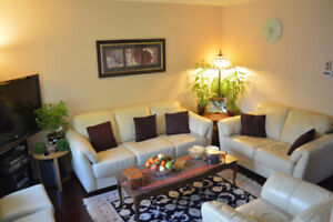 Bright and Inviting house -- Close to UofS -- Students Welcome!