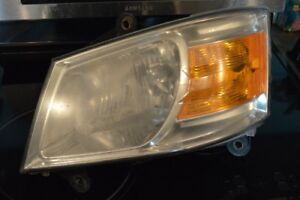2008 Dodge Grand Caravan Drivers Side Headlight set