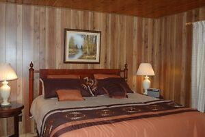 Sauble Beach 3 bedroom clean cottage for rent.