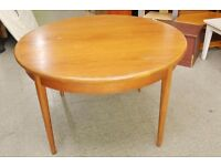 Xmas SALE NOW ON!! Round Extending Dining Table - Can Deliver For £19