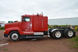 Freightliner Tandem Trailer Truck