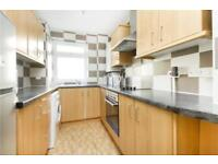 3 bedroom flat in Comus House, Elephant and Castle SE17
