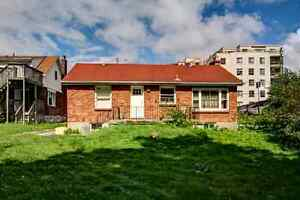 3 BEDROOMS AVAILABLE BACKING ONTO RAVINE!!!