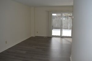 Renovated 3 bedroom Lakeshore townhouse available January or Feb Kitchener / Waterloo Kitchener Area image 4