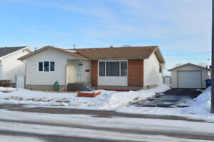 509 Main St, Delisle...Affordable Rural Living with the Perks!