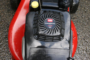 TORO COMMERCIAL MOWER with KAWASAKI ENGINE Cambridge Kitchener Area image 6