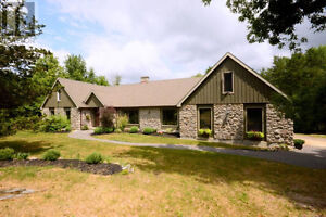 Gorgeous Country Oasis 15 Minutes to Belleville -NEW PRICE