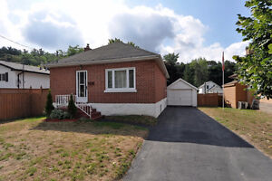 East city brick bungalow with walkout basement and single car g Peterborough Peterborough Area image 2