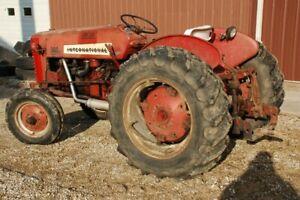 Recherche pièces de tracteur international