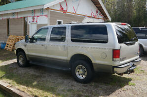 2002 Ford Excursion V-10  Amazing  condition!  Great Family SUV