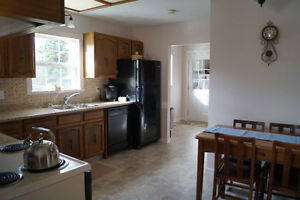 Gorgeous & renovated home, rural living just minutes from town Williams Lake Cariboo Area image 5