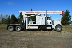 1998 Peterbilt 378 Tandem Tractor with USTC 22.5 Ton Picker