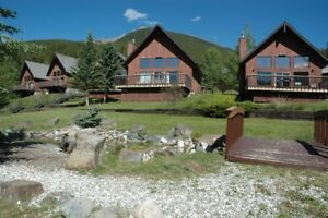Chalet / Cabin Mountain Resort: near Canmore; 1 Wk $1000.