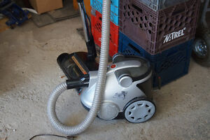 Hoover Bagless WindTunnel Vacuum