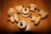 Furniture knobs- Boutons