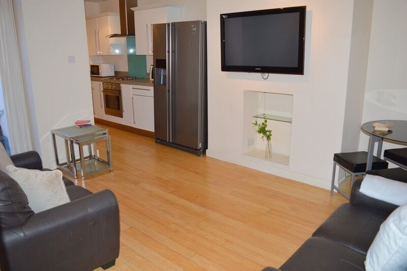 3 BEDROOM FLAT AVAILABLE FROM 01/09/17 IN SANDYFORD, NE6 - £85pppw