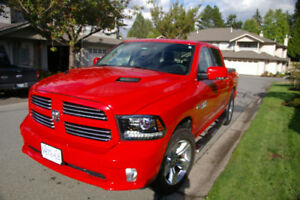 2016 Ram 1500 Sport Crew Cab Hemi Pickup Truck - Low Mileage!