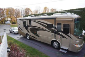 Motorisé Classe A 2008 Pusher Diesel 34 pi. Moteur 350 Cummings