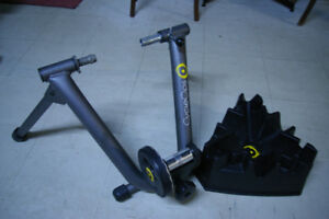 CycleOps Mag Indoor Bicycle Trainer with CycleOps climbing block