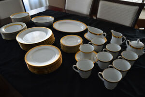 55 Piece Noritake Dinnerware Set for 8
