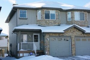 Imaculate Duplex for Rent - Immediate Possession