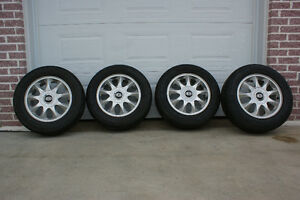 4 pneu d'été optimo hankook 225/60R16 avec mags