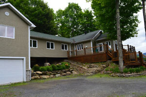 Piece of Paradise in Eastern Townships - 4 Bdrm, 11 acres, views West Island Greater Montréal image 9