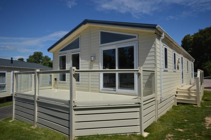 Static Caravan Hastings Sussex 2 Bedrooms 6 Berth Delta Desire 2012 Coghurst
