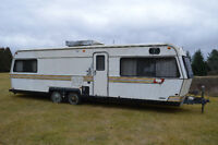 28 ft Holiday Rambler Travel Trailer