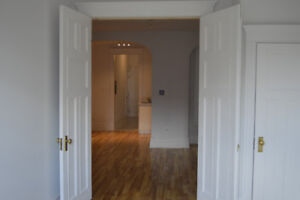 2 bedroom in Downtown available July 1