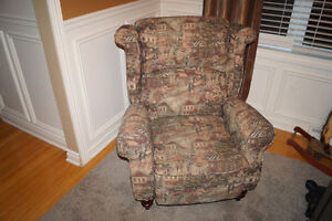 Reclining chair / Chaise inclinable