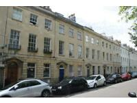 2 bedroom flat in Caledonia Place, Clifton, Bristol, BS8 4DN