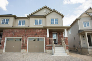 111 ENGLISH LANE - West Brant Townhome across from schools