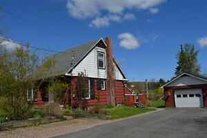 KNOWLTON = Cute 4 Bedroom Home with Garage = Walk to Town