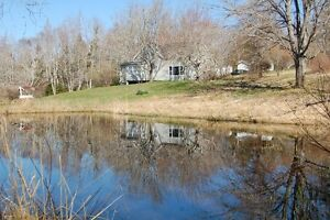 75+ ACRES/3 BD/WATERFRONT/WOOD STOVE/SPACIOUS IN PEMBROKE